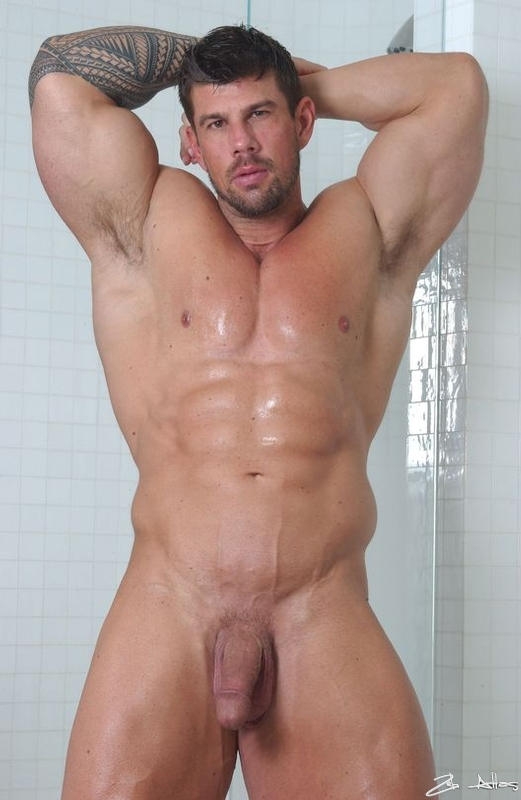 Sexy Naked Muscle Man